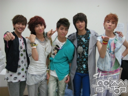 20090606_shineebs_3